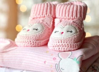 Newborn-Clothes-And-Dressing