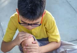 Knee-pain-in-child