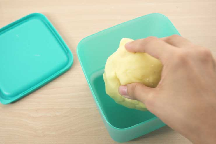 How-to-Make-Play-Dough