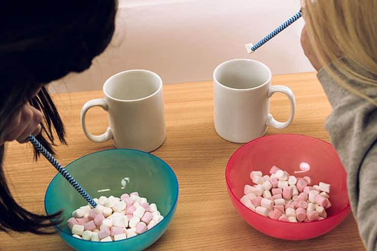 Marshmallow-Straw-Race