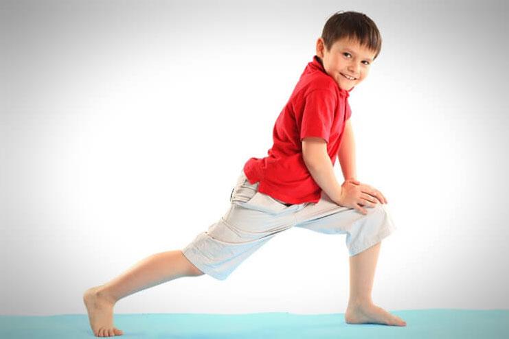 Knee-lunge
