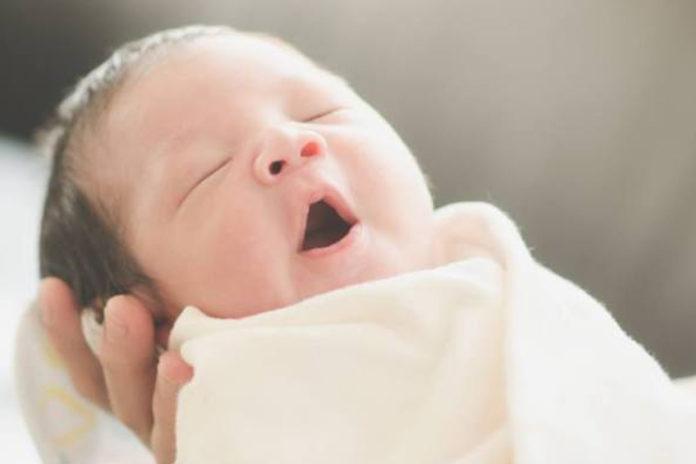 1-week-old-baby-milestones