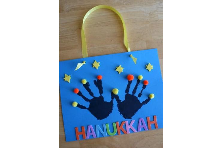 Hand-print-menorah
