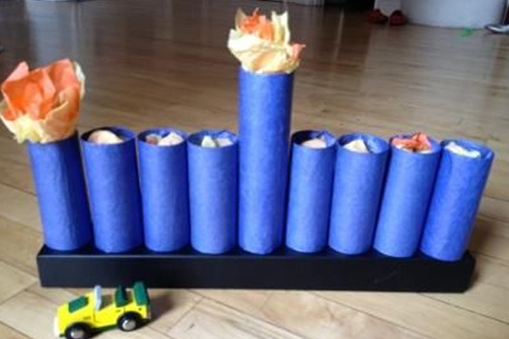 Tissue-roll-menorah