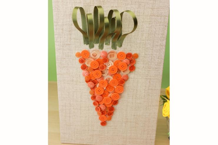 Carrot-Button-Art